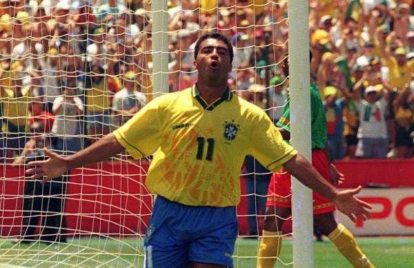Romário jogando pela seleção