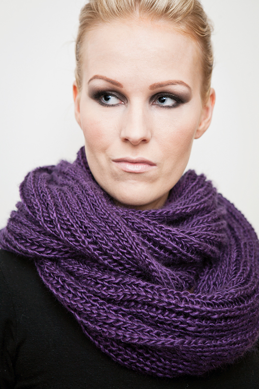 Simple Knitting Pattern For Infinity Scarf : Knitwear by unneva: New pattern - Brioche Infinity Scarf
