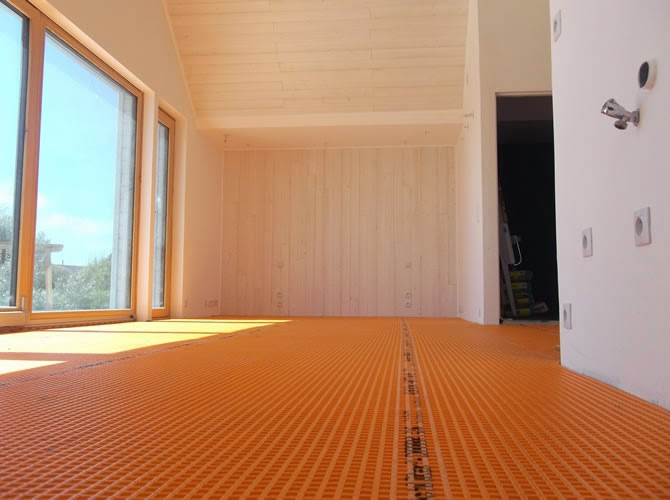 La pose d 39 un carrelage sur plancher bois attention for Carrelage plancher bois