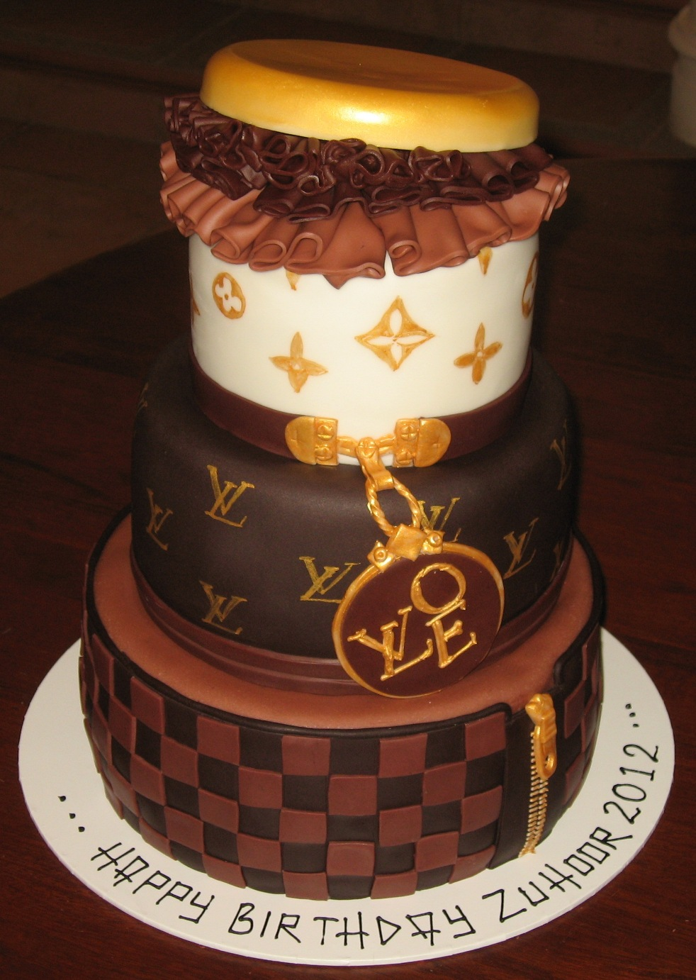 How To Make Louis Vuitton Print On Cake