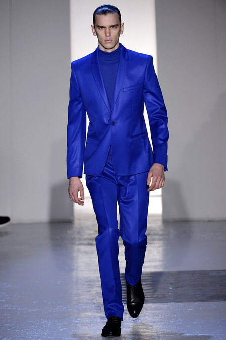 Violet Cobalt blue mono-color suit trend 