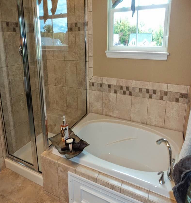 Building our venice with ryan homes venice model photos for Soaking tub in master bedroom
