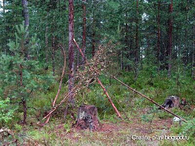 лесной шалаш