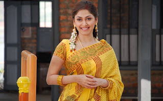 Manjari Phadnis in saree
