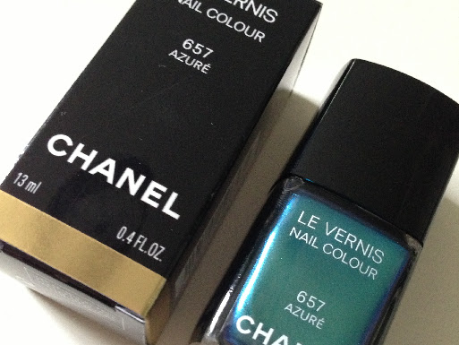 NOTD Chanel 657 Azuré.