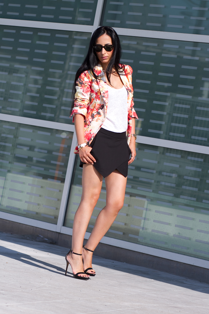 OUTFIT WITH FLORAL BLAZER and SKORTS
