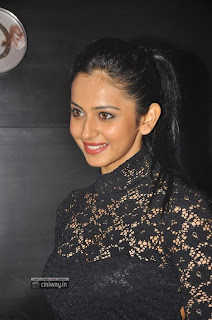 Rakul-Preet-Singh-at-SIIMA-Awards-2013