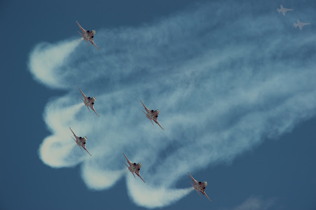 Patrouille Suisse f-5 vapor