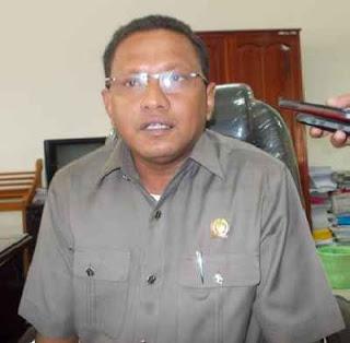 Legislatif telah menetapkan sejumlah agenda kerja panitia khusus (Pansus) PT. Bank Maluku yang harus dilakukan untuk memperbaiki kinerja perusahaan Badan Usaha Milik Daerah (BUMD) tersebut dan efektif berjalan usai pembahasan dan penetapan APBD Perubahan 2015.