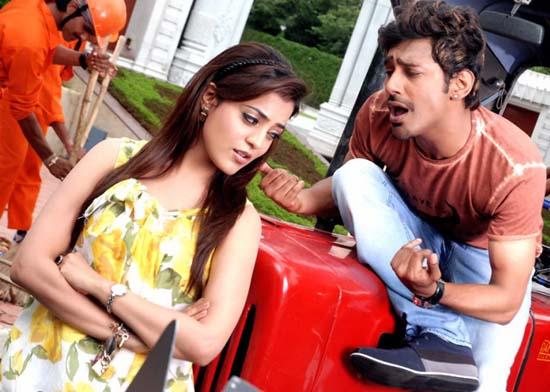 varunsandesh-nisha-agarwal-saradaga-ammaitho-movie-stills5
