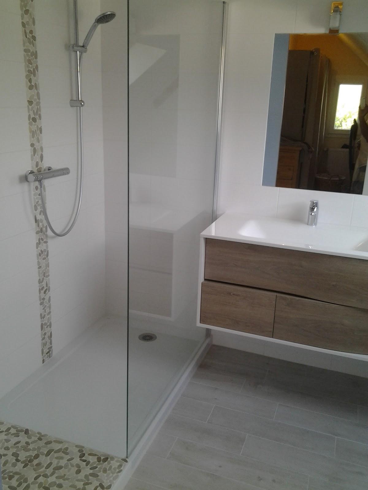 Creation de salles de bains douche a l 39 italienne et - Douche a l italienne surelevee ...