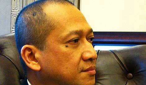 Blogger Pro UMNO Blogger Bodoh Nazri Aziz kata