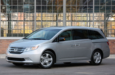 Honda recalling 748k Odyssey and Pilot models over airbag concern