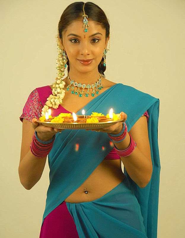 Actress Rineelrouth Hot Photos Gallery glamour images