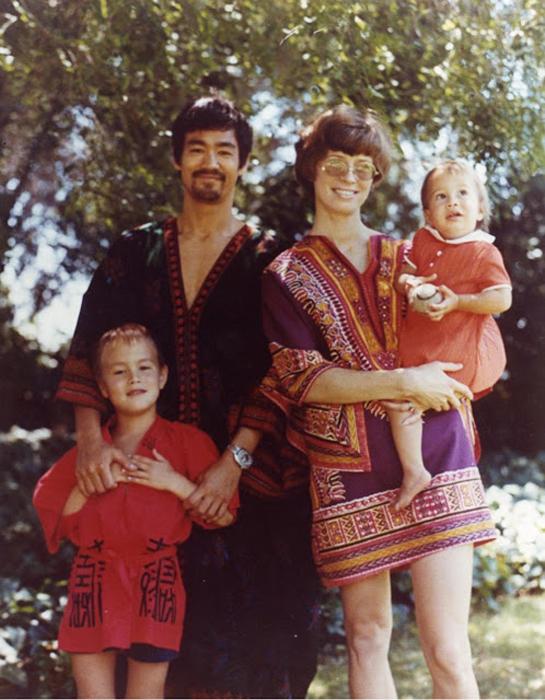 Брюс Ли: редкие семейные фото