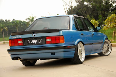Modification BMW 318i E30 1990