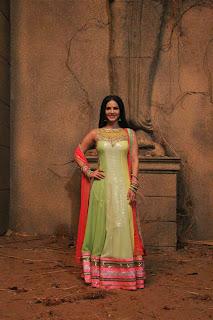 Actress Sunny Leone Latest Pictures at Ek Paheli Leela Movie Sets  13.JPG