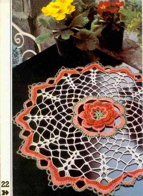 Carpeta crochet con fino diseño flor central