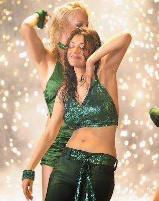 Actress Kajal Agarwal Hot Navel Show in Green Blouse Stills And Photos