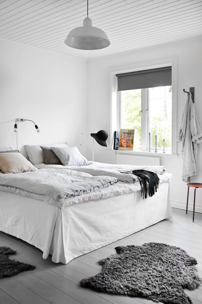 Design attractor industrial style and pastel colors in Industrial scandinavian bedroom