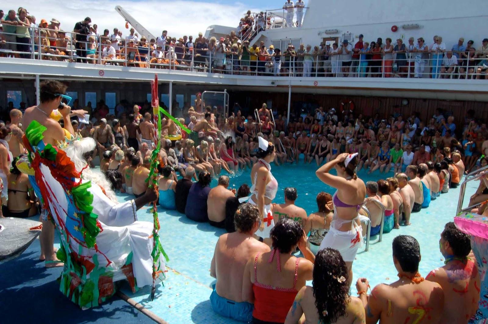 cruise ships tip: celebrating spring break aboard a cruise ship