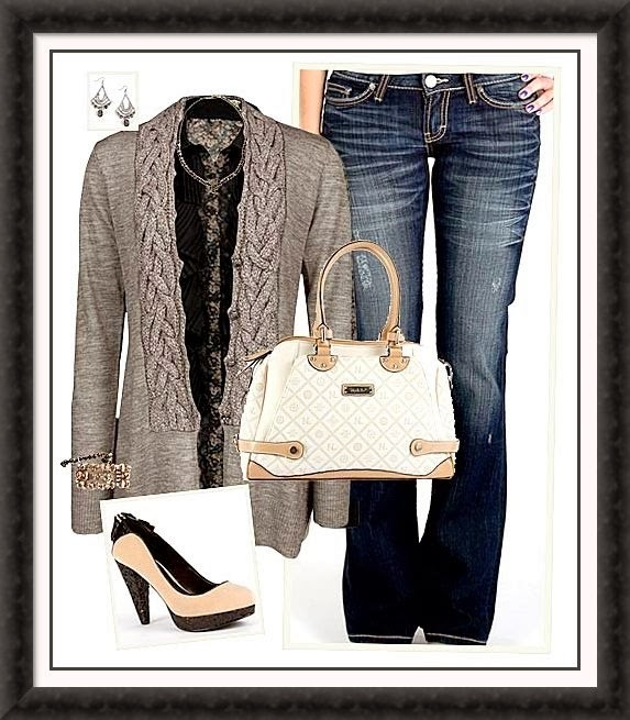 Amazing grey cardigan, jeans, white handbag ad sandals for fall