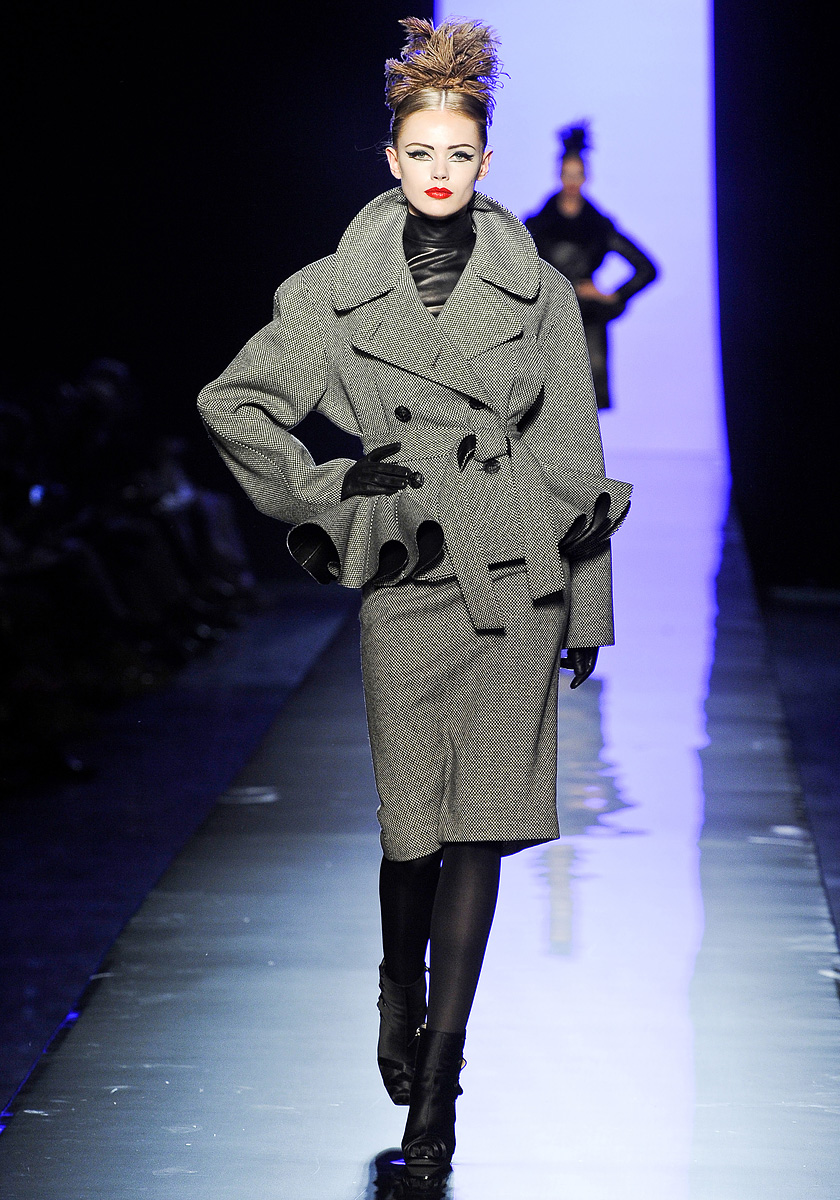 Fashion is my muse my picks from paris fall 2011 couture for Haute couture jacket