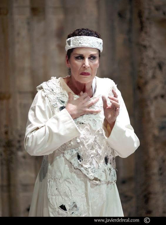 Rosalind Plowright as Klytemnestra in Elektra, Madrid 2011