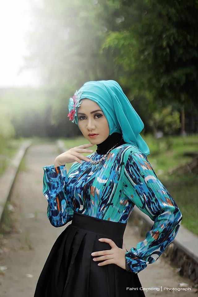 Modern Hijab Style Muslimah Hijab Fashion Photography