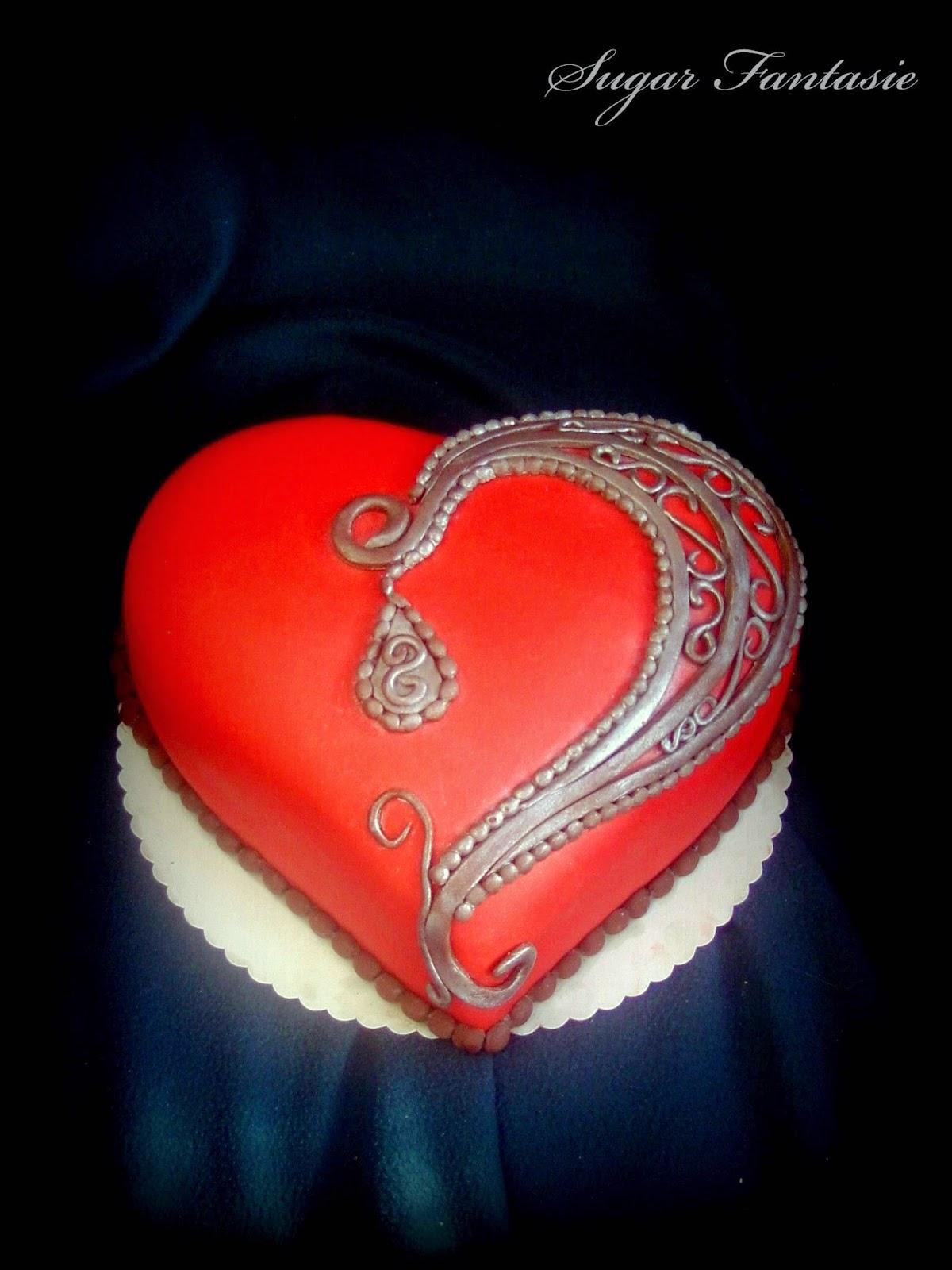 Gótikus szív torta