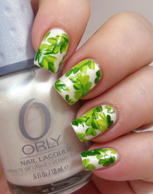 nail art leaves on orly au champagne