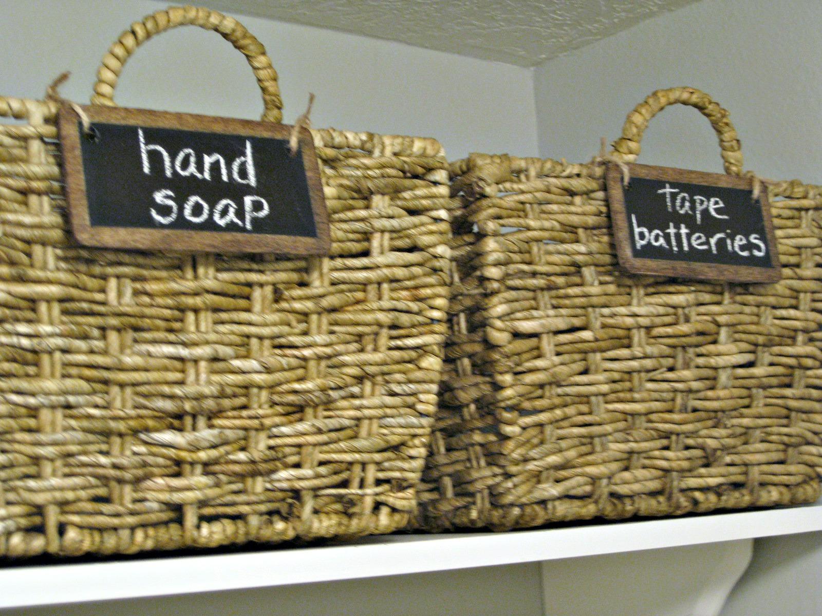 & TDA decorating and design: Chalkboard Basket Labels Tutorial