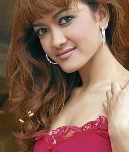 Imigresen siasat, KONTROVERSI...pelakon seksi bermulut celupar Indonesia, Julia Perez atau nama sebenarnya Yuli Rachmawati.