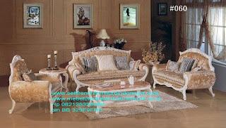 Sofa ukir jepara Jual furniture mebel jepara sofa tamu klasik sofa tamu jati sofa tamu antik sofa tamu jepara sofa tamu cat duco jepara mebel jati ukir jepara code SFTM-22004 sofa tamu set ukir jepara