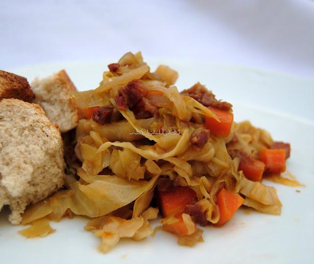 http://www.asopaipas.com/2014/01/repollo-rehogado-con-verduras-y-chorizo.html