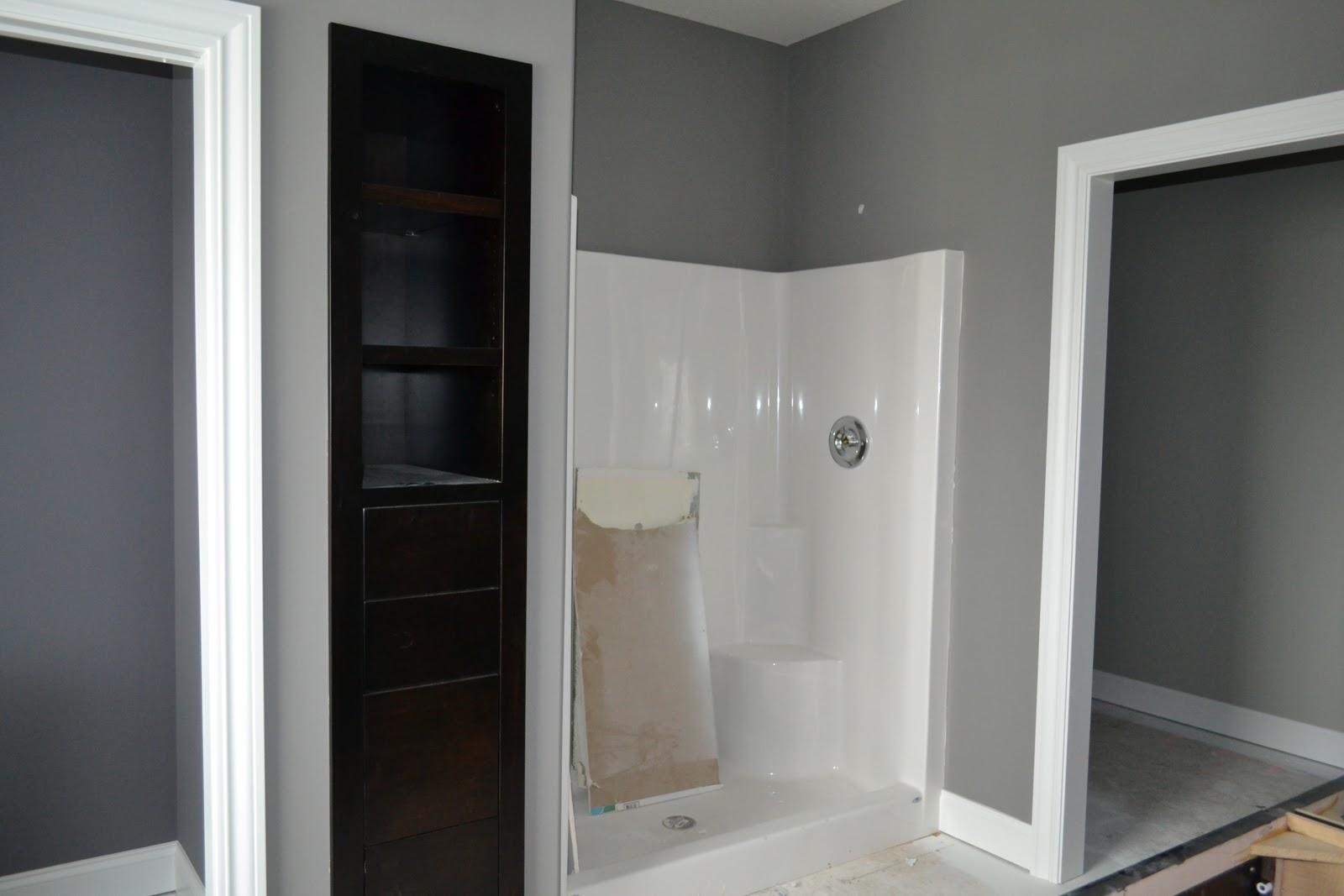 De jong dream house painting almost done for European steel enamel bathtub