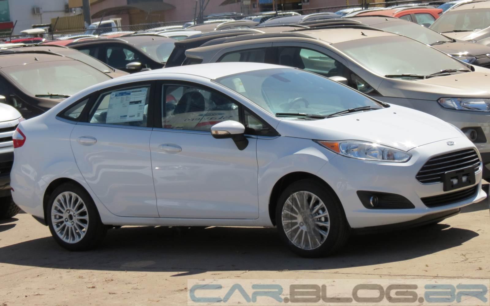 Fiesta Sedan 2014 chega às lojas em versões SE e Titanium | CAR.BLOG