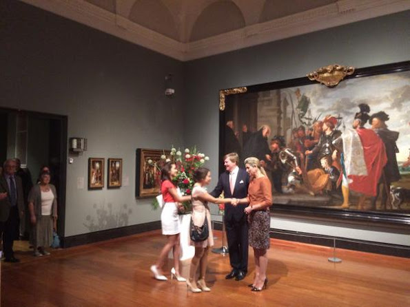 "King Willem-Alexander and Queen Maxima attended a meeting with the ""Dutch Community"" at Art Gallery of Ontario"