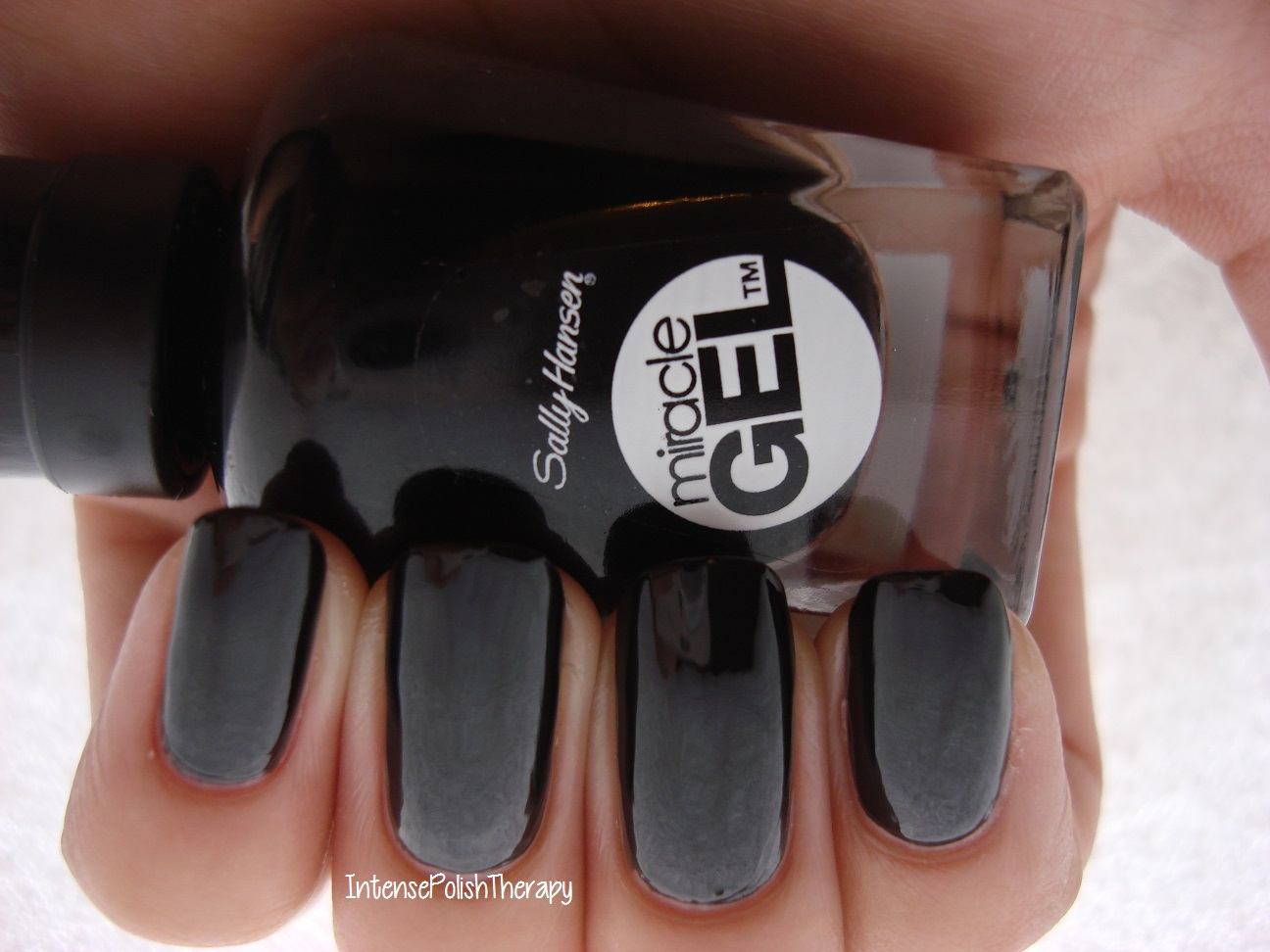 Sally Hansen - Blacky O