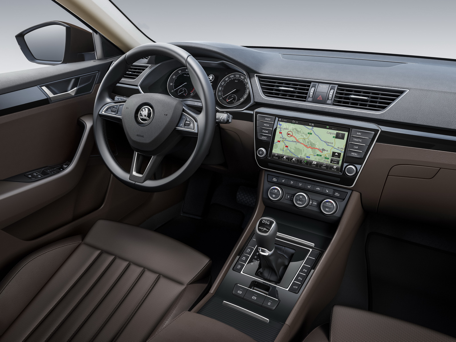 Skoda-Superb-interior-1.jpg