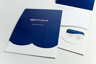 Foto ilustrativa de um folder para ilustrar o post fazer folder online