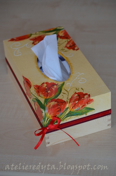 chustecznik w tulipany
