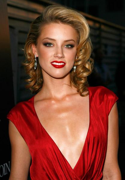 Amber Heard Pretty Wallpaper-800x600