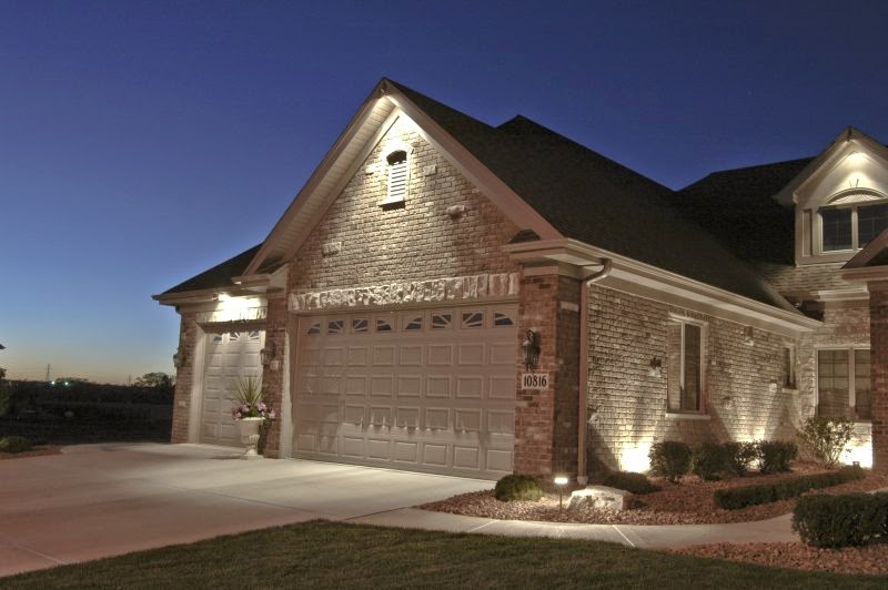 Home Exterior Ideas: Inexpensive Exterior Accent Lighting