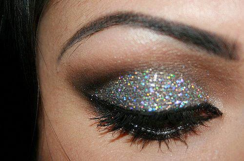 party eye makeup, perfect eye makeup, Eyelash In Eye