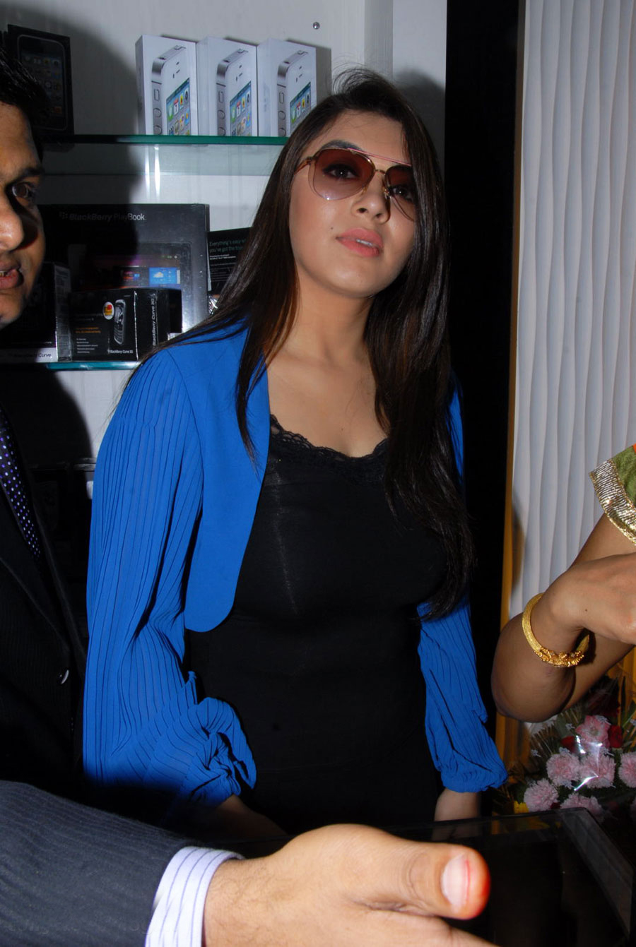 Hanshika Motwani in black top, blue jacket - Hanshika Motwani at Amori shop phone launch