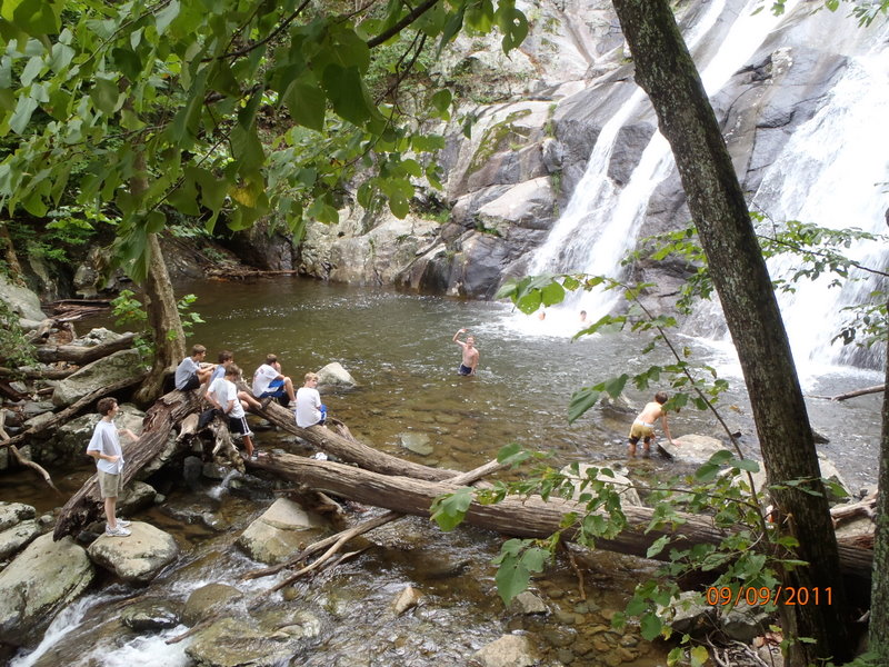 Woodberry Forest Outdoor Education Rapidan Starts Year With Hike To White Oak Canyon