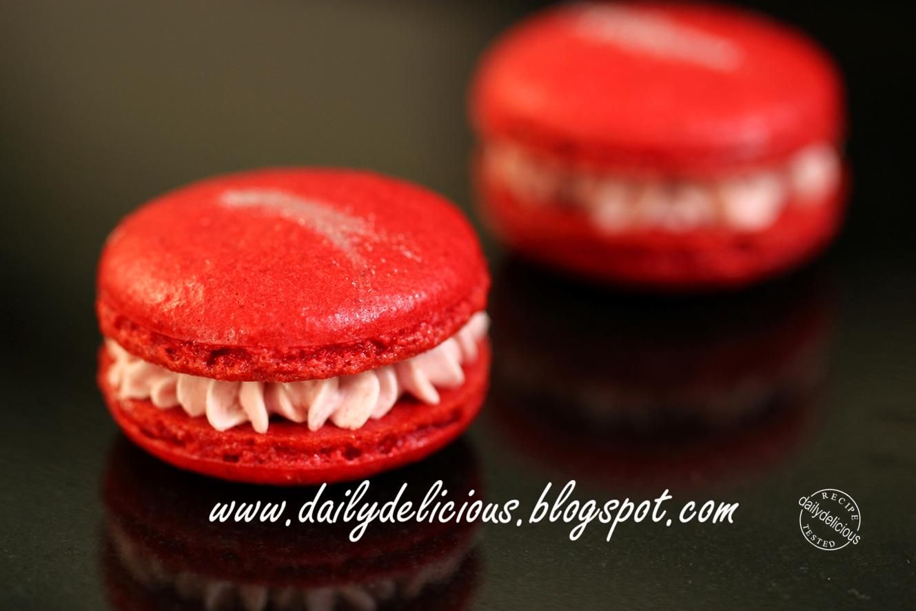 ... : Strawberry milk Macarons: I'm dreaming of a red macaron