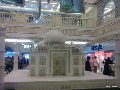 A Tajmahal built in City Center, Chennai