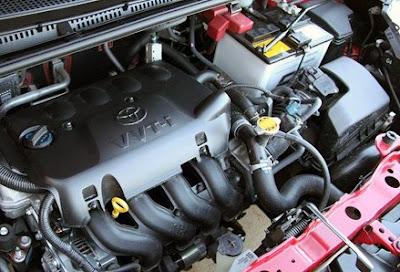 Tutup radiator pada mobil Toyota Yaris